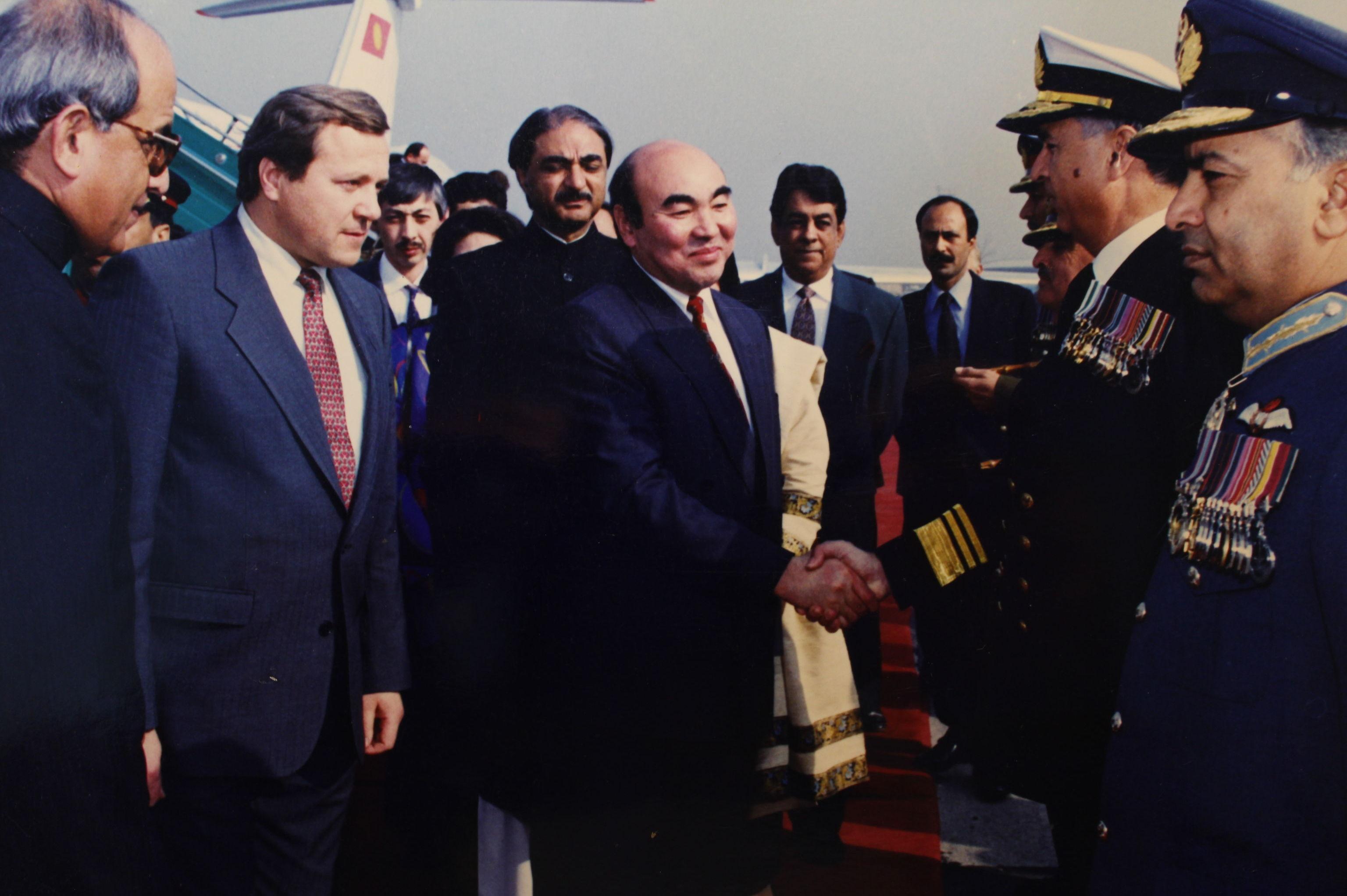Визит Аскар Акаева в Пакистан.  Исламабад Декабрь1994.г