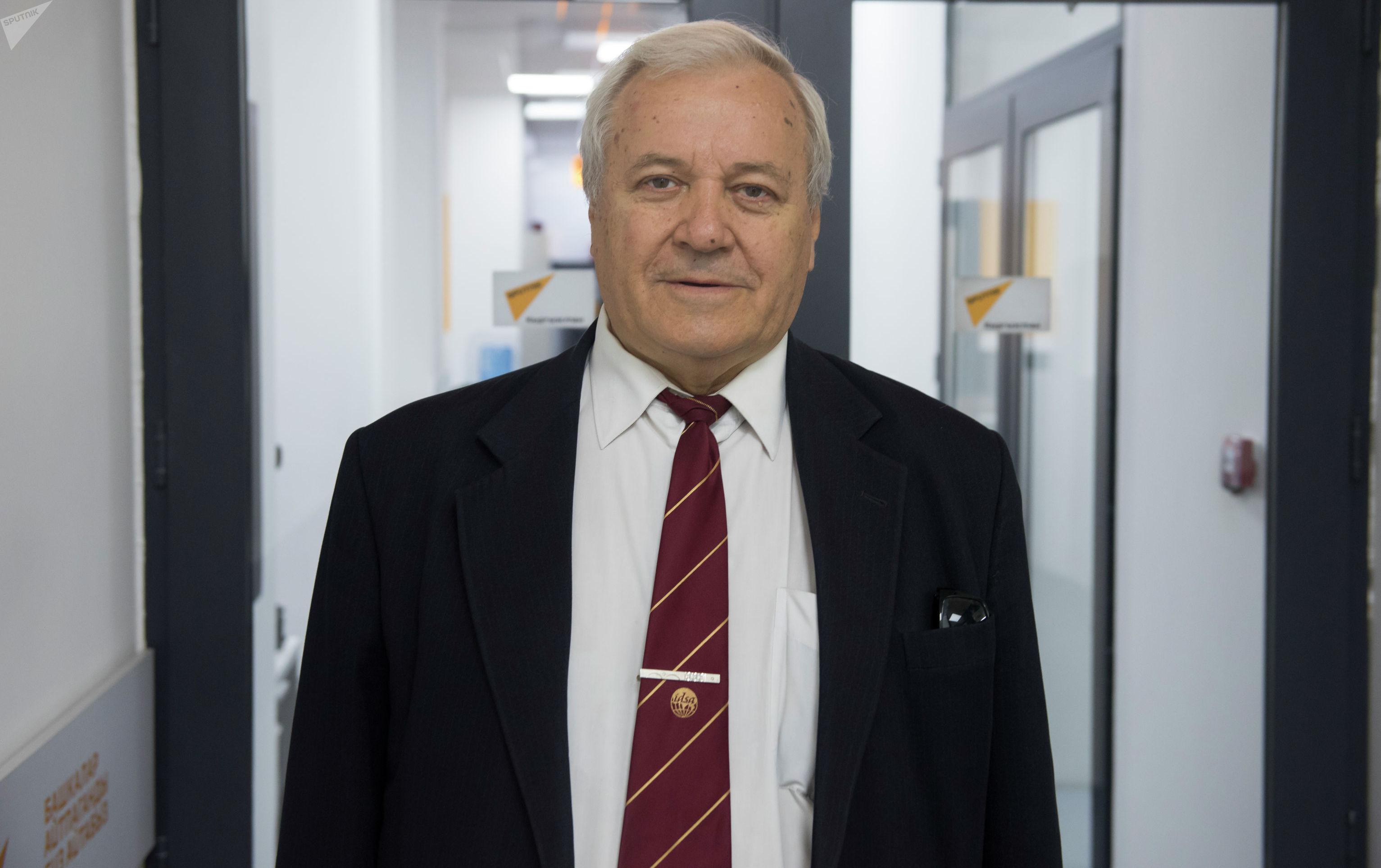 Чрезвычайный и полномочный посланник КР, единственный индолог в стране Евгений Каблуков