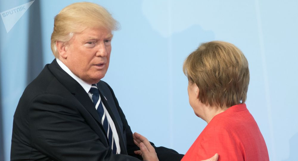 АКШ президенти Дональд Трамп жана Германиянын канцлери Ангела Меркель. Архив
