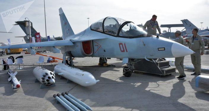Як-130 учагы. Архивдик сүрөтү
