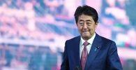 Япониянын премьер-министри Синдзо Абэ. Архивдик сүрөт