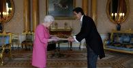 Улуу Британиянын ханышасы Елизавета II Кыргызстандын элчиси Эдил Байсаловду кабыл алды