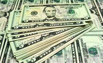 Банкноты номиналом 5 долларов США. Архивное фото