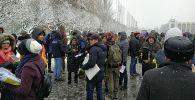 Мирная акция против коррупции и воровства у здания Жогорку Кенеша. 25 ноября 2019 года