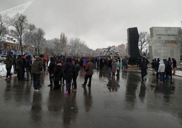 Участники мирного митинга разошлись