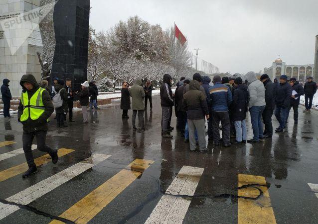 Участники мирного митинга расходятся