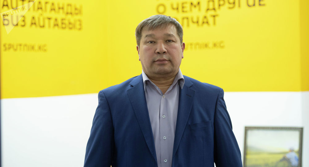 Медицина илимдеринин доктору, профессор, уролог Жаныбек Мамбетов