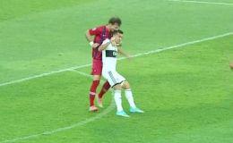 Защитник парагвайского Сьерро Портеньо Фернандо Аморебьета отметился необычным поступком в матче против Олимпии, за что был удален с поля.