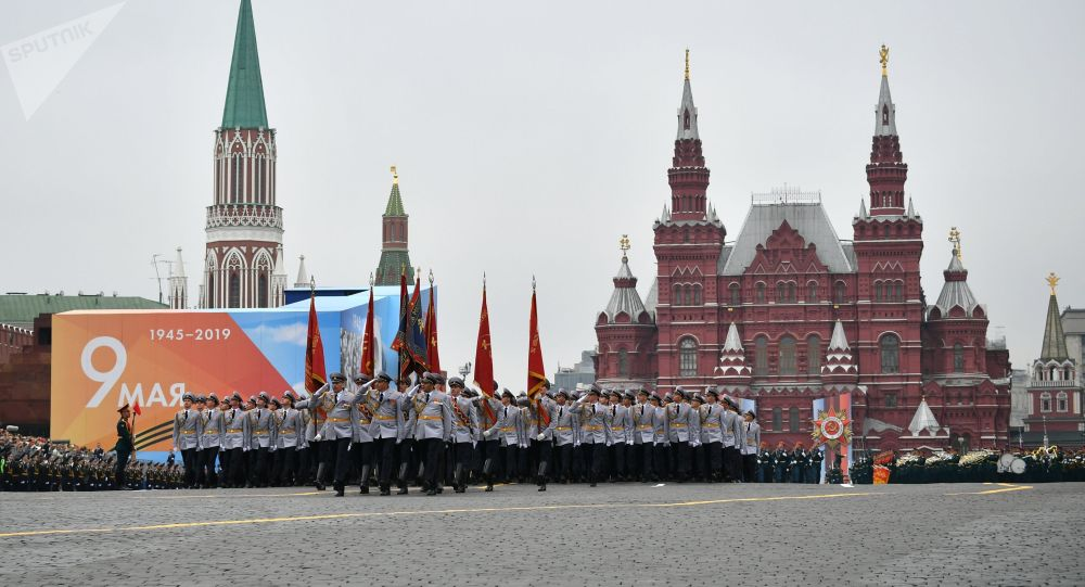 Москвадагы Кызыл аянттагы Жеңиш парады. Архивдик сүрөт