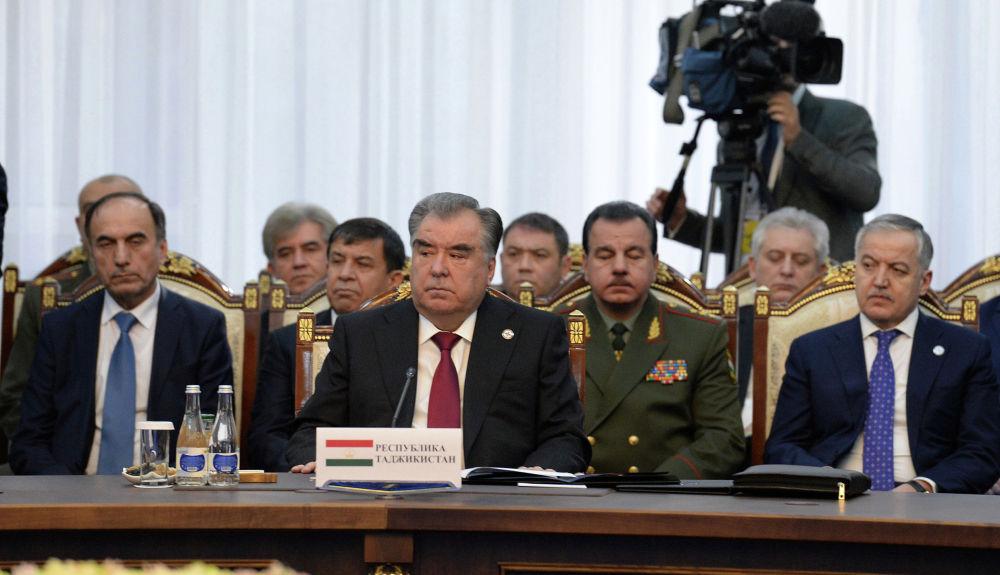 Особое место на переговорах занимала тема афгано-таджикской границы. Главы государств-участников ОДКБ считают важным вопрос снижения напряженности на проблемных территориях.