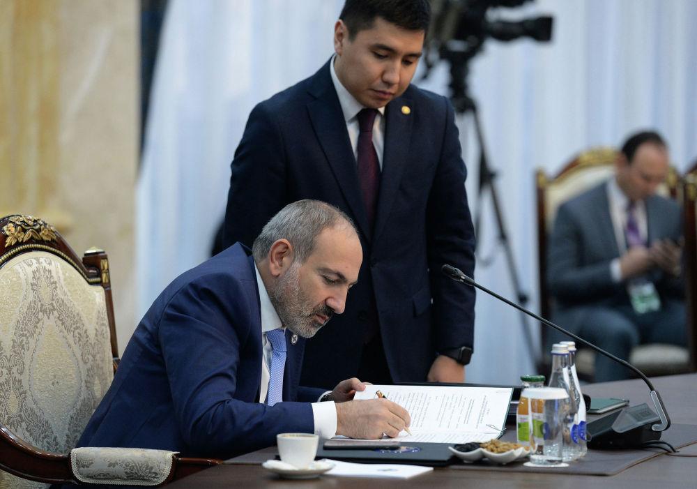 По итогам сессии было подписано 15 документов. Среди них есть проекты решения по вопросам афгано-таджикской границы и об исполнении контртеррористических стратегий ООН.