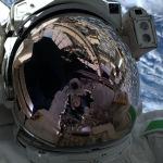 Первое селфи из открытого космоса итальянского астронавта Лука Пармитано