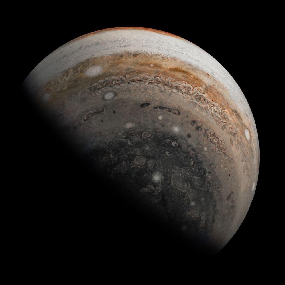 Южное полушарие Юпитера, увиденное межпланетной станцией Juno