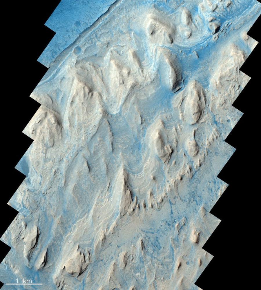 Кратер Гейла на Марсе, снятый аппаратом TGO российско-европейской миссии ЭкзоМарс