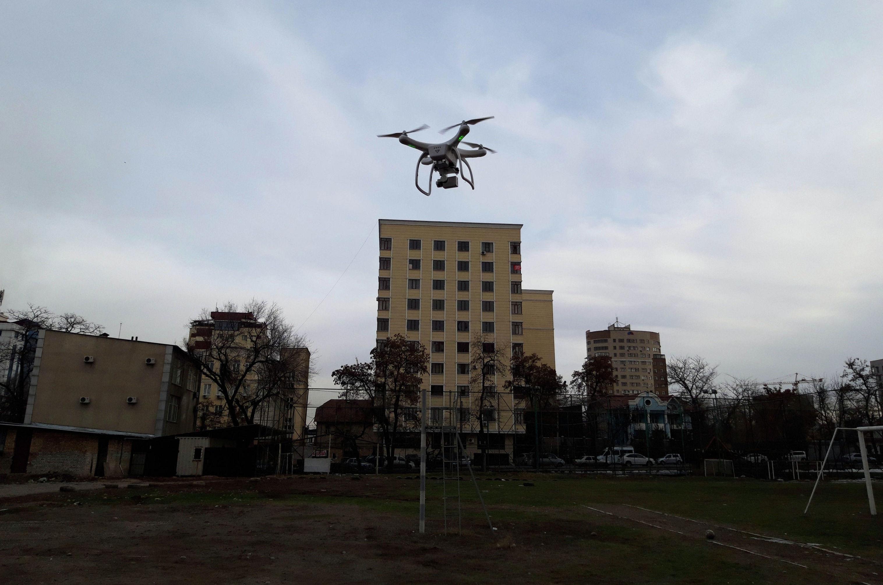 Проведены замеры атмосферного воздуха в некоторых районах Бишкека с помощью дронов и специальных пылемерных аппаратов