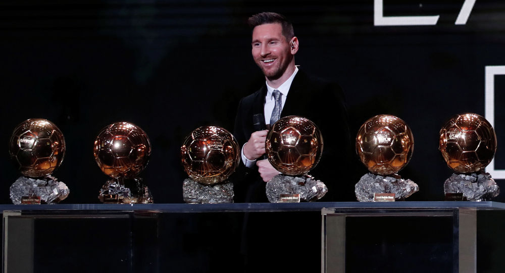 Капитан испанского футбольного клуба Барселона и сборной Аргентины Лионель Месси шестой раз стал обладателем Золотого мяча
