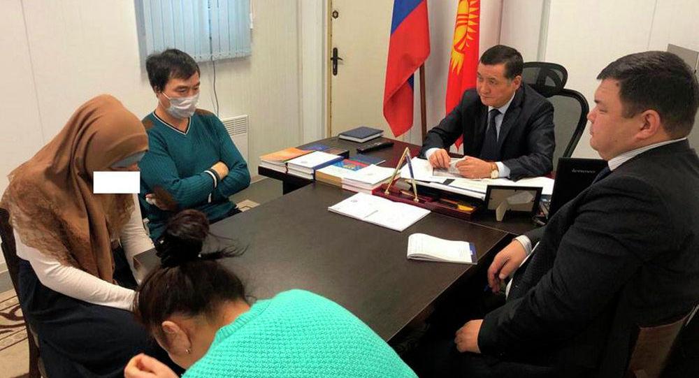 Кыргызстандын жана Россиянын Ички иштер министрликтери жардам сурап үнүн жаздырган кызды табышты