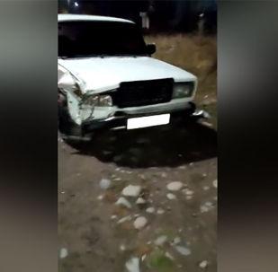 Ночью 2 ноября тонированные Жигули с российскими номерами выехали на полосу встречного движения и столкнулись с Toyota Camry.