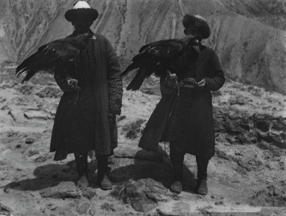 Готфрид Мерцбахер мүнүшкөрлөрдү да тартууга жетишкен