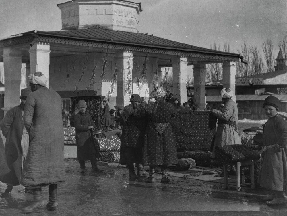 Немец саякатчысы өзбек базарына барууга да жетишкен