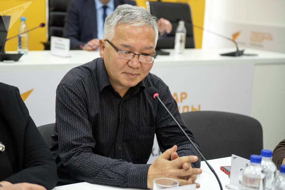 Политолог Марс Сариев