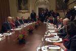 Президент США Дональд Трамп встретился в Белом доме с постпредами стран в Совете Безопасности ООН. Среди приглашенных был и представитель России Василий Небензя.