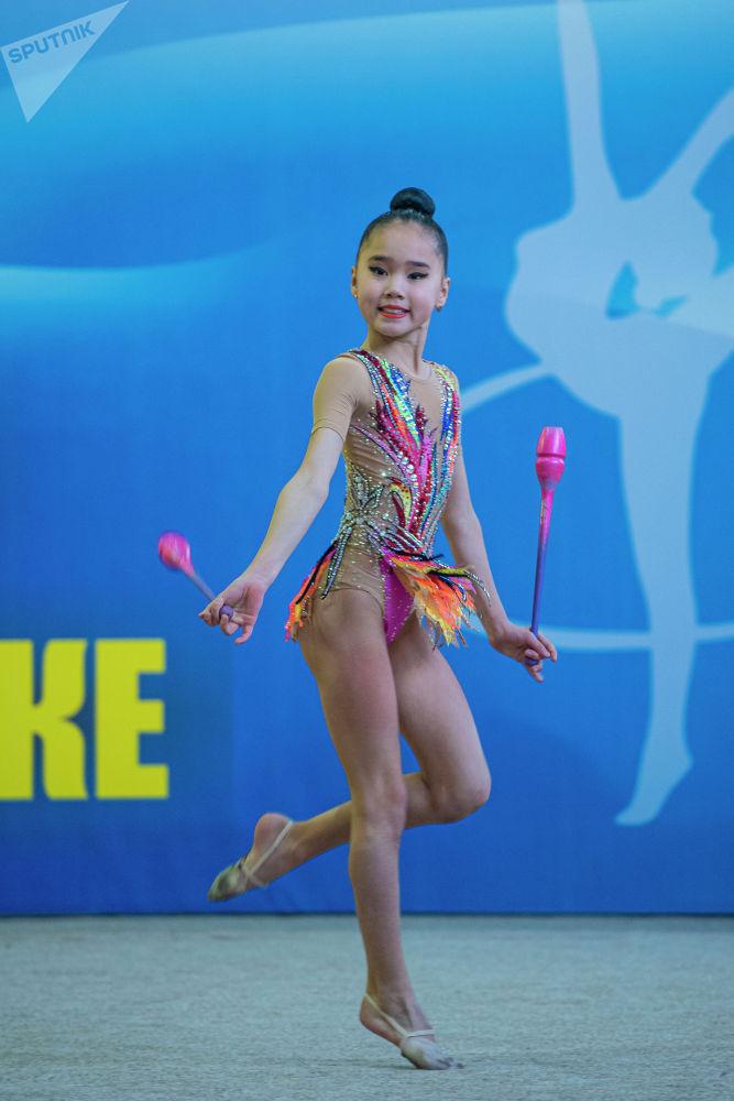 Эс алуу күндөрү гимнасттар Кыргызстан чемпионатына катышты