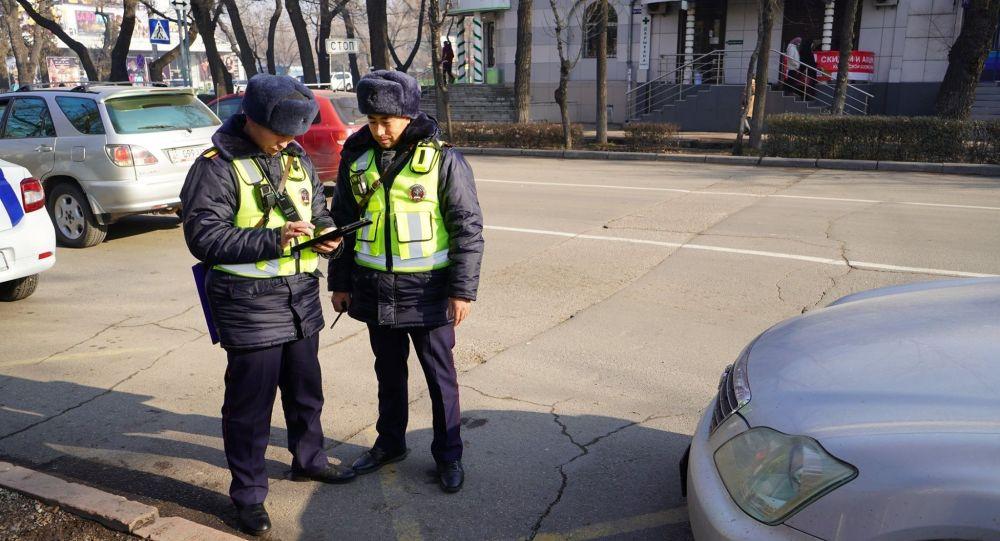 Сотрудники управления патрульной службы милиции (УПСМ) получили электронные планшеты с базой данных лиц, находящихся в розыске и информацией о нарушениях