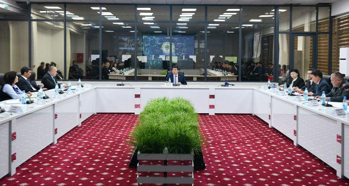 Совещание в Цифровизированном командном центре Министерства внутренних дел Кыргызской Республики.