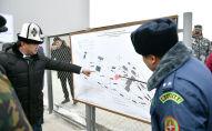Премьер-министр Кыргызской Республики Мухаммедкалый Абылгазиев на церемонии запуска инспекторско-досмотрового комплекса на контрольно-пропускном пункте Торугарт в Нарынской области.