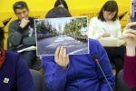 С недавнего времени в редакцию Sputnik поступает много жалоб от кыргызстанцев. Выяснилось, что после запрета министра образования на денежные сборы администрации многих учебных заведений придумывают новые причины для сбора денег.