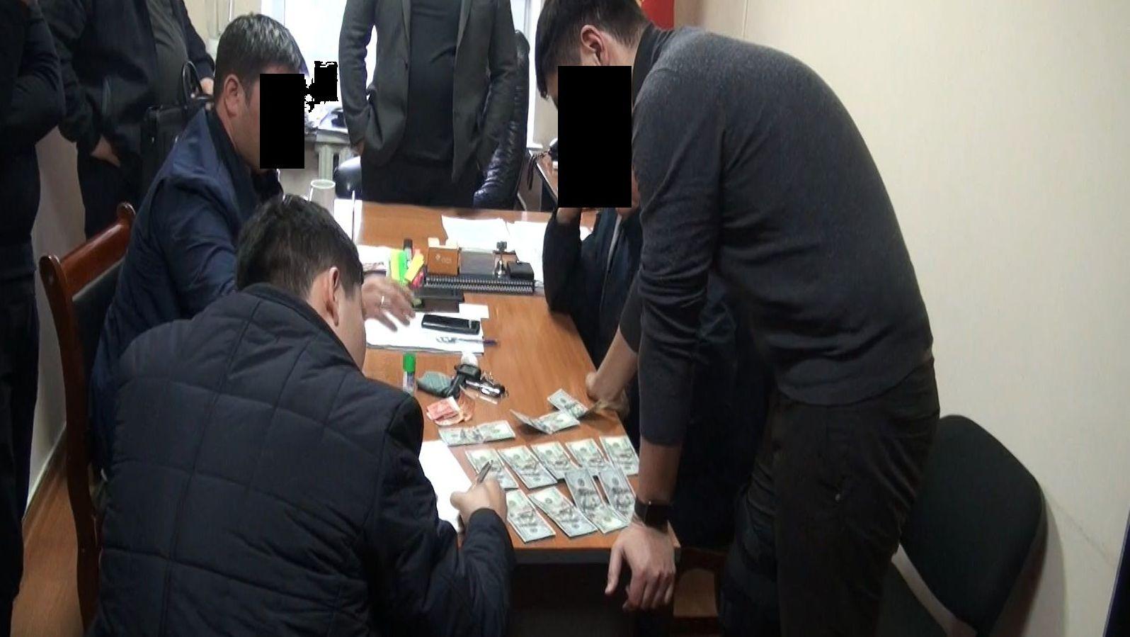 В Госэкотехинспекции Кыргызстана выявлена и пресечена устойчивая коррупционная схема, среди шести задержанных начальник управления