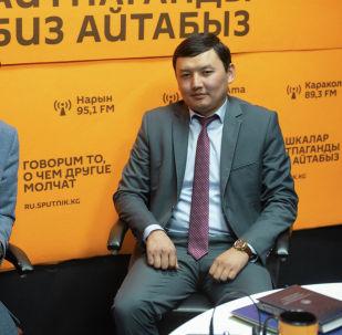 Советник премьер-министра Кыргызстана Кубат Рахимов и директор Центра государственно-частного партнерства при Министерстве экономики КР Данияр Абдылдаев
