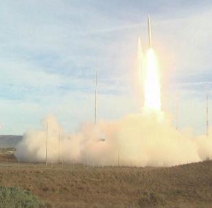 Жакын жана орто аралыктагы ракеталарды жок кылуу боюнча келишимге Россия менен АКШ 1987-жылы кол койгон.