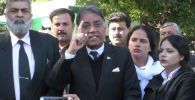 Бывший лидер Пакистана Первез Мушарраф обвинялся в государственной измене в связи с событиями в 2007 году. Тогда он ввел чрезвычайное положение в республике и приказал арестовать членов Верховного суда.