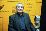 Мамлекеттик тил боюнча улуттук комиссиянын жетектөөчү адиси Темирбек Осмоналиев