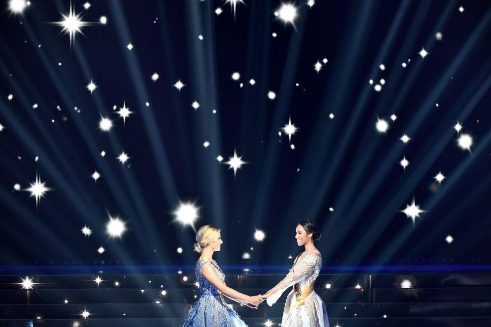 Как сообщили СМИ, победа Клеманс Ботино стала сюрпризом для многих. Фавориткой считалась Мисс Прованс Лу Руа.