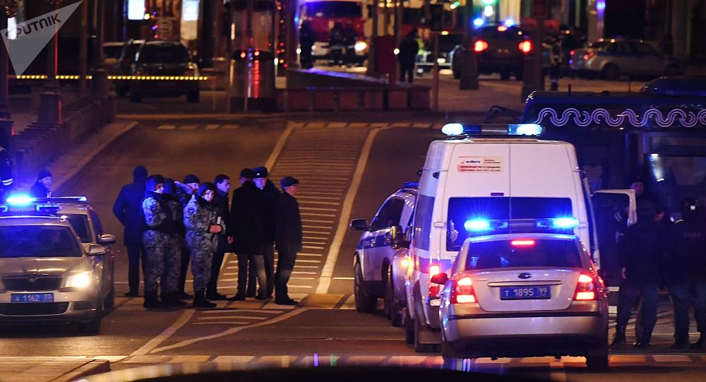 Недалеко от здания ФСБ на Лубянской площади в Москве, где произошла стрельба.