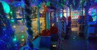 Новогоднее оформление троллейбусов №2 в Бишкеке. Архивное фото