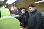 Глава Правительства Мухаммедкалый Абылгазиев в течение двух дней принял участие в открытии ряда социальных объектов и ознакомился с работой предприятия Майлуу-Сууйский электроламповый завод.