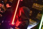 Посетитель на премьере фильма Звёздные Войны: Пробуждение Силы. Архивное фото