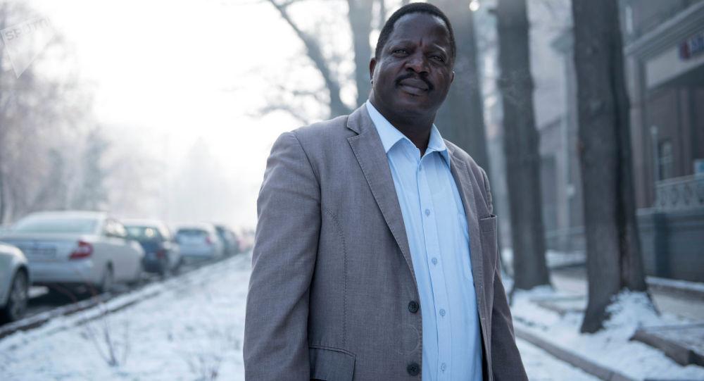 Медбрат в международной организации Врачи без границ из Зимбабве Херберт Мутубуки