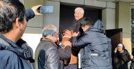 Экс-градоначальник признался, что приговор его не устраивает, хотя он вышел на свободу. Кулматов не считает себя виновным.