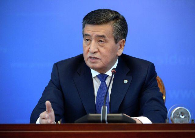 Президент КР Сооронбай Жээнбеков на большой пресс-конференции в государственной резиденции Ала-Арча. 25 декабря 2019 года