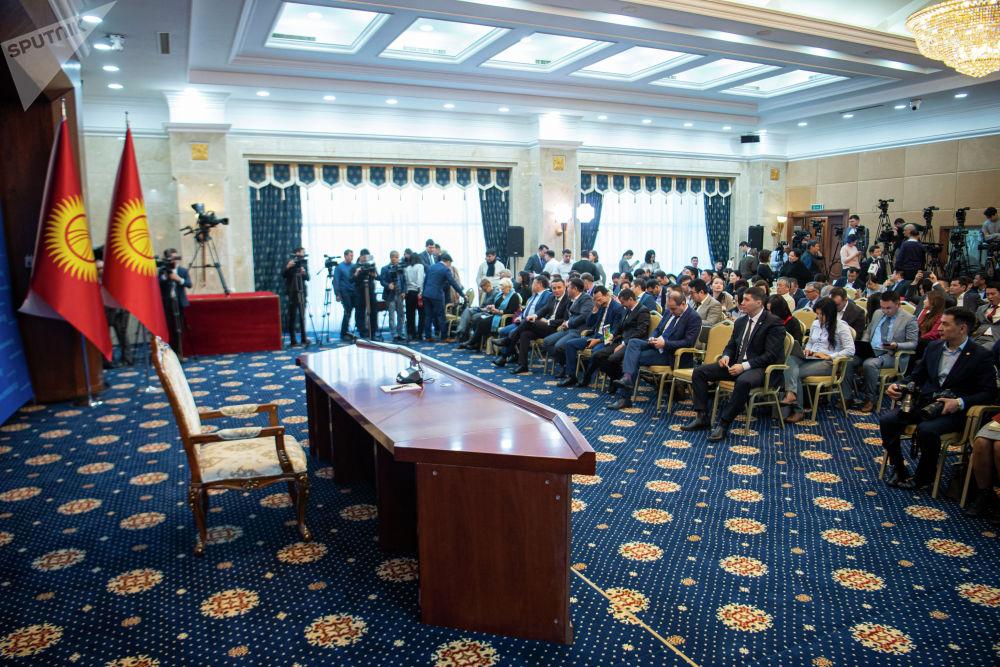 Президент Сооронбай Жээнбековдун жылды жыйынтыктаган маалымат жыйыны Ала-Арча мамлекеттик резиденциясында өттү