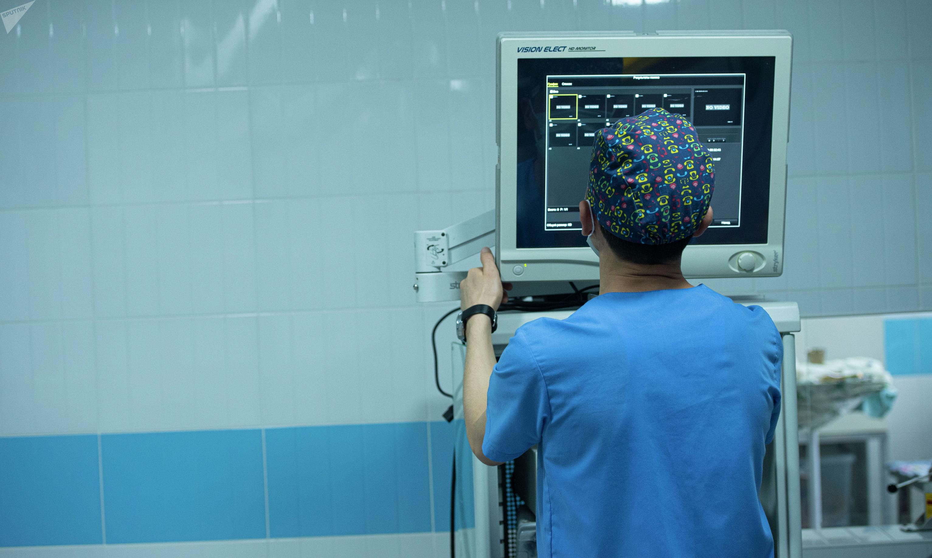Операционная комната Национального центра нейрохирургии в Бишкеке