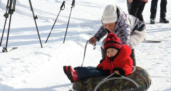 Сегодня, 28 декабря, на горнолыжной базе Ак-Тюз состоялось открытие зимнего туристического сезона