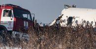 Обломки самолета Fokker 100 казахстанской авиакомпании Bek Air, следовавшего рейсом Алма-Ата - Нур-Султан, недалеко от жилых домов.
