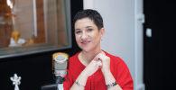 Диетолог Наталья Саломахина во время беседы на радио