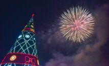 Новогодний салют на центральной площади Ала-Тоо. Архивное фото